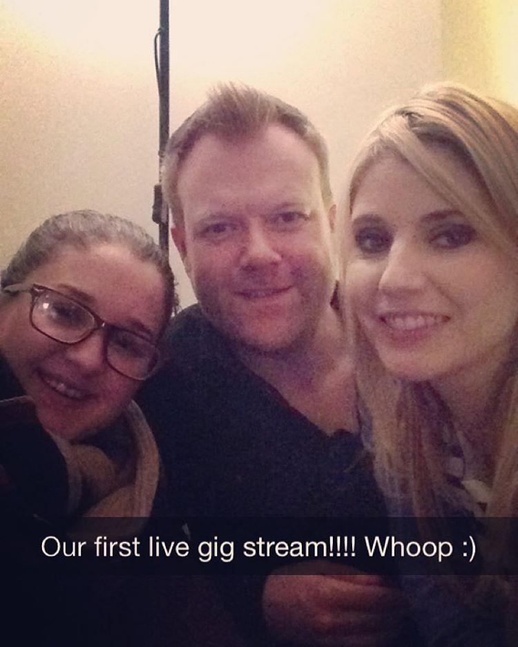 Thank you all so much for turning in & to Stephen Kenny & @jenniferdollard for making it all happen :) much love x #live #gig #stream