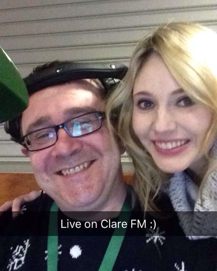 Live on Clare FM from Shannon Airport with the oh so lovely Stephen McDermott co hosting the brekkie show :) whoop