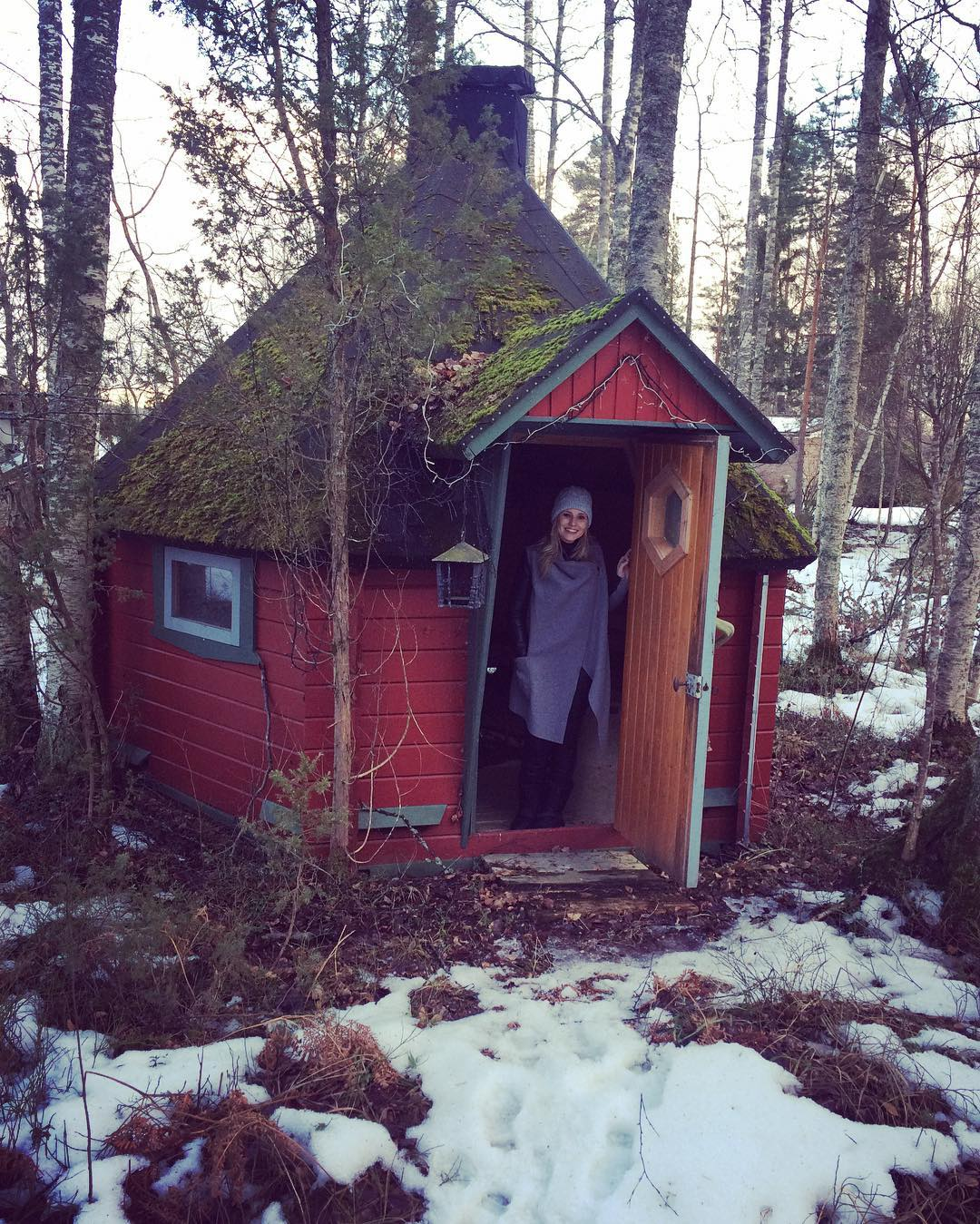 I could totally see myself living here :) #happy #finland #tour #musician #luanparle #clivebarnes #singer #songwriter #followforfollow #follow4follow #follow4likes #like4likes #like for follow #shoutout #shoutoutforshoutout #shoutout4shoutout #girlsinmusic #female #independent #independentartist #commentforcomment #comment4comment #commentforlike #irish #snow