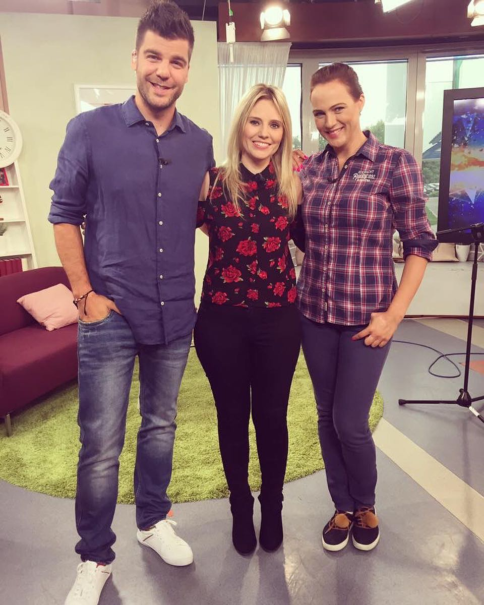 Such a fab morning appearing on @telerano @tvmarkizaofficial with the very lovely @adriana_polakova & @refriend .